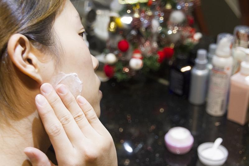 乳霜抹下顎邊緣(咀嚼肌)做敏感測試.jpg